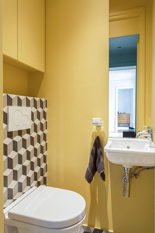 rénovation-appartement-paris 9 - toilette jaune