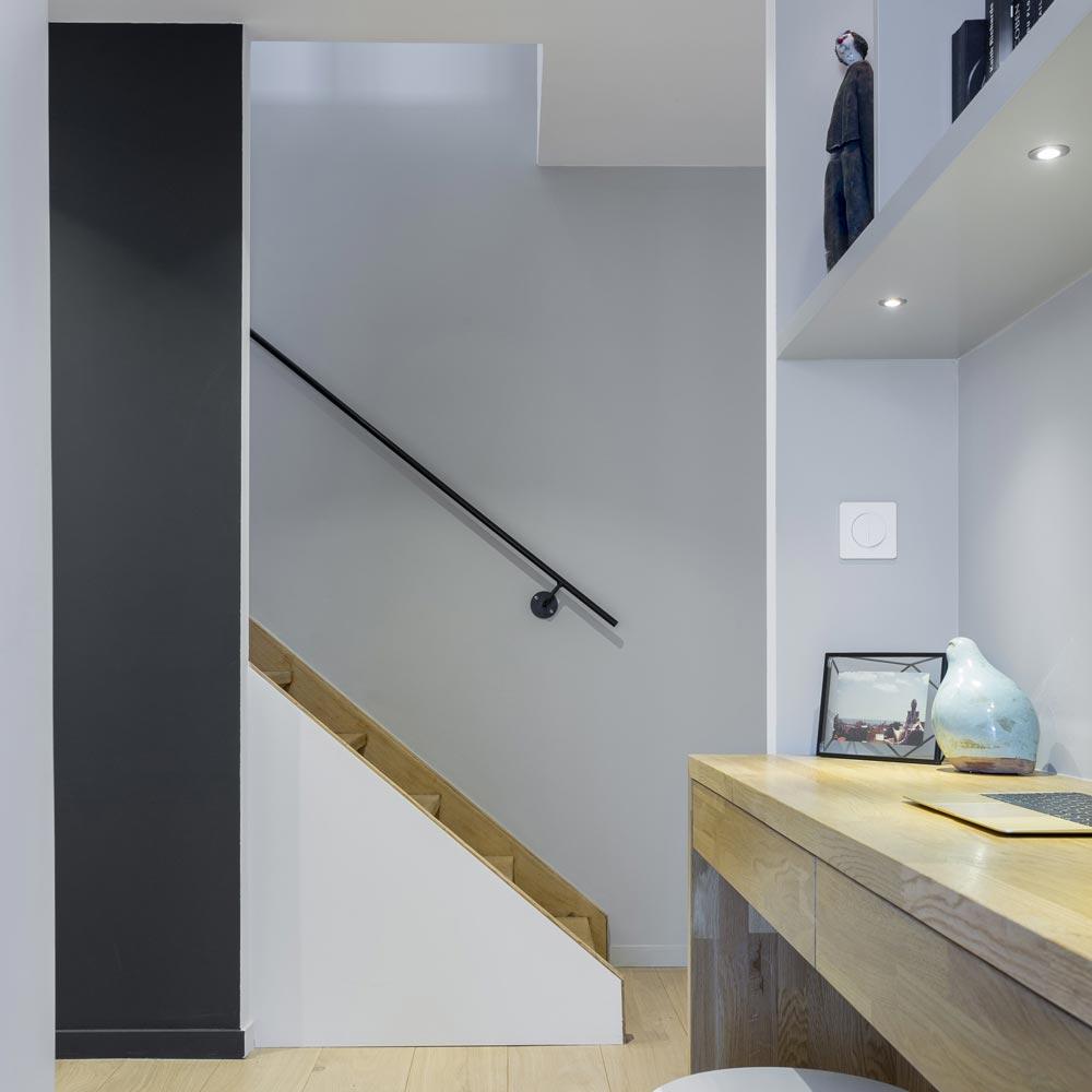 coin bureau mur offblack escalier main acier