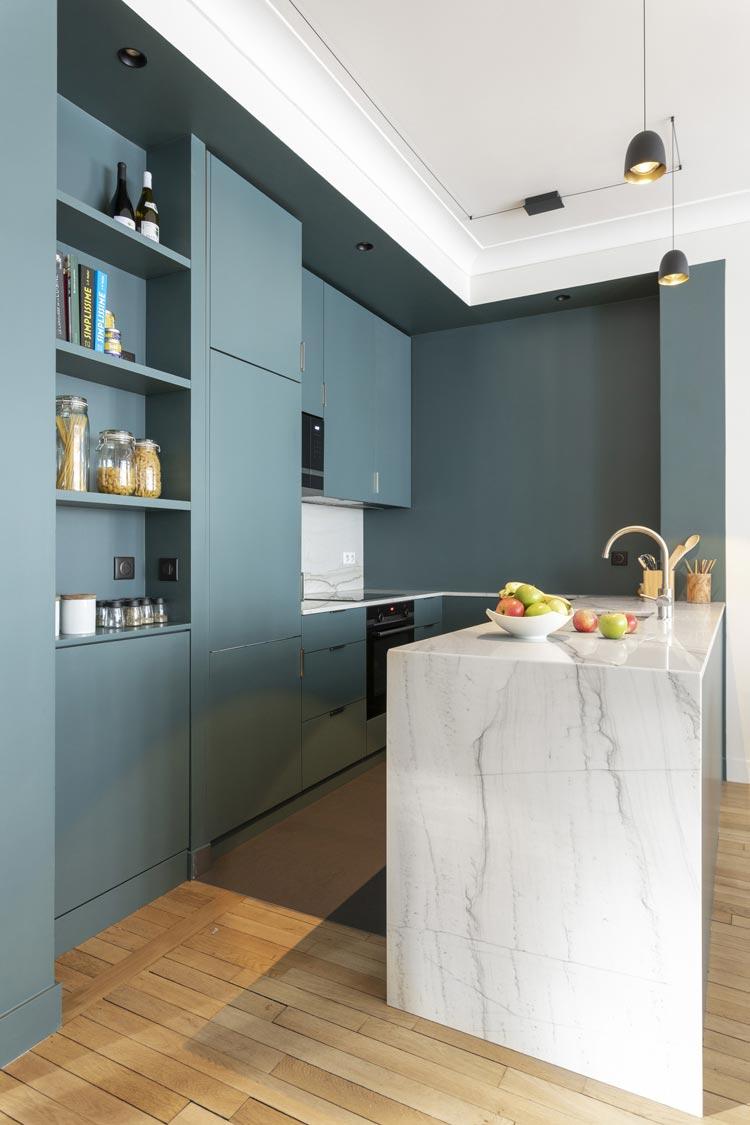 cuisine ilot marbre clair inchyra blue