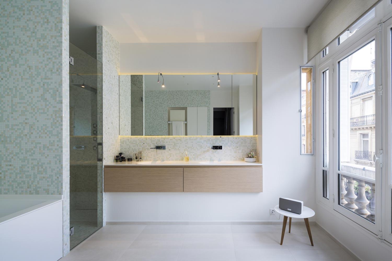 salle de bains mosaique lumiere chene