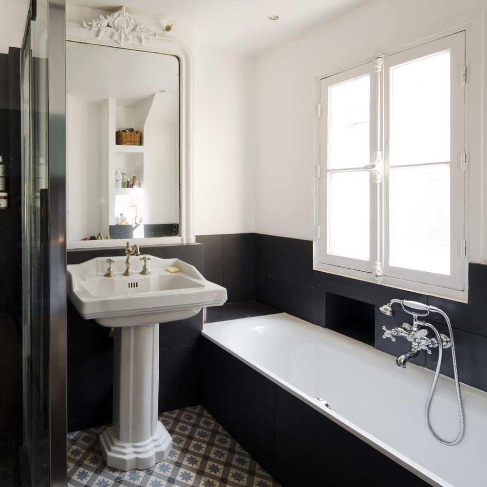 salle de bains retro carreaux ciment carrelage noir