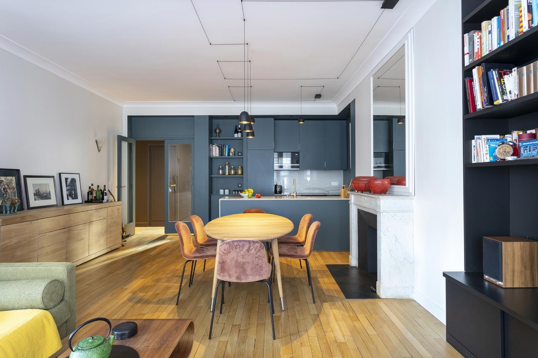 salon cuisine ouverte bleue