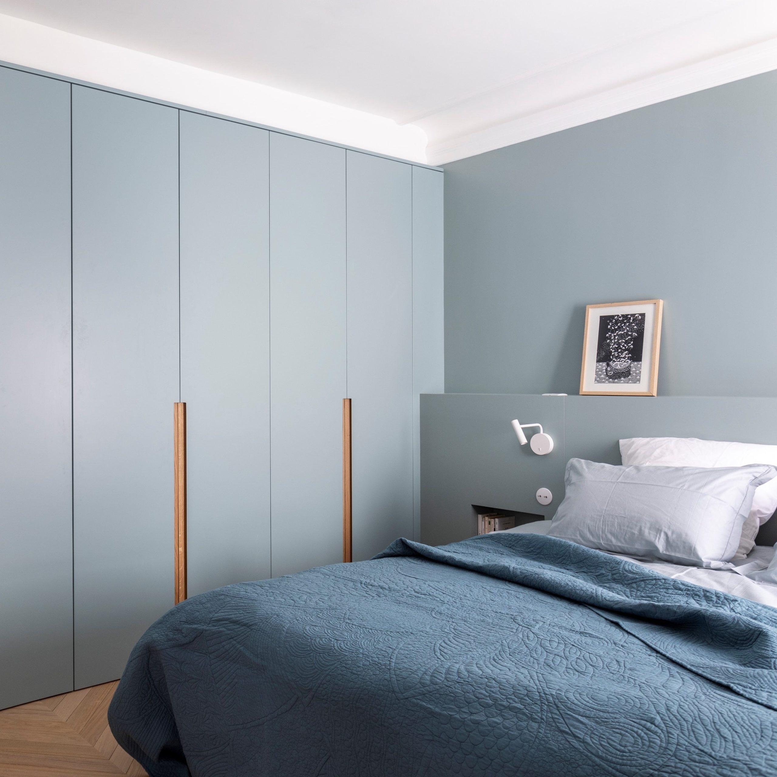 carre chambre bleu dressing tete de lit liseuse astro