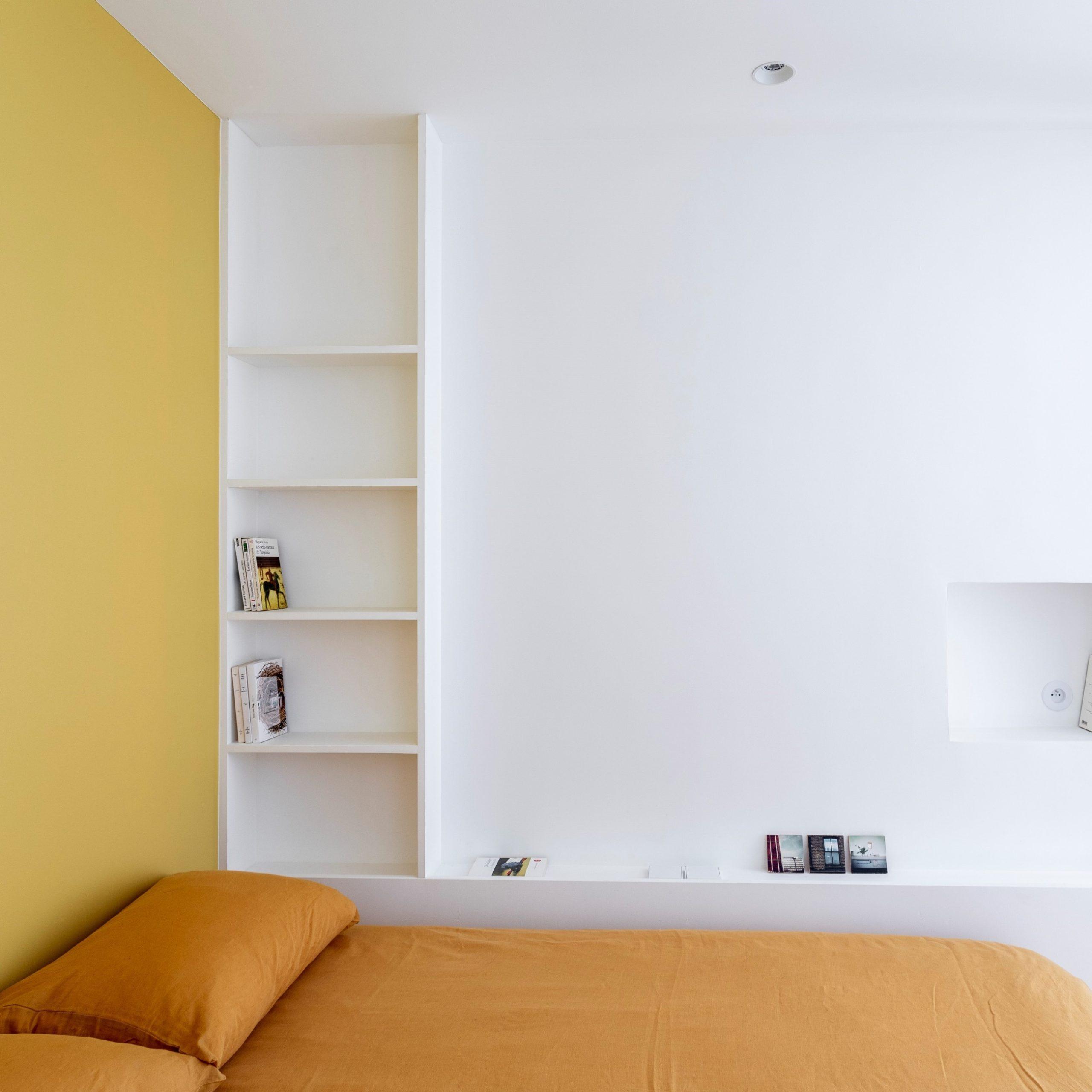 chambre-jaune-niche