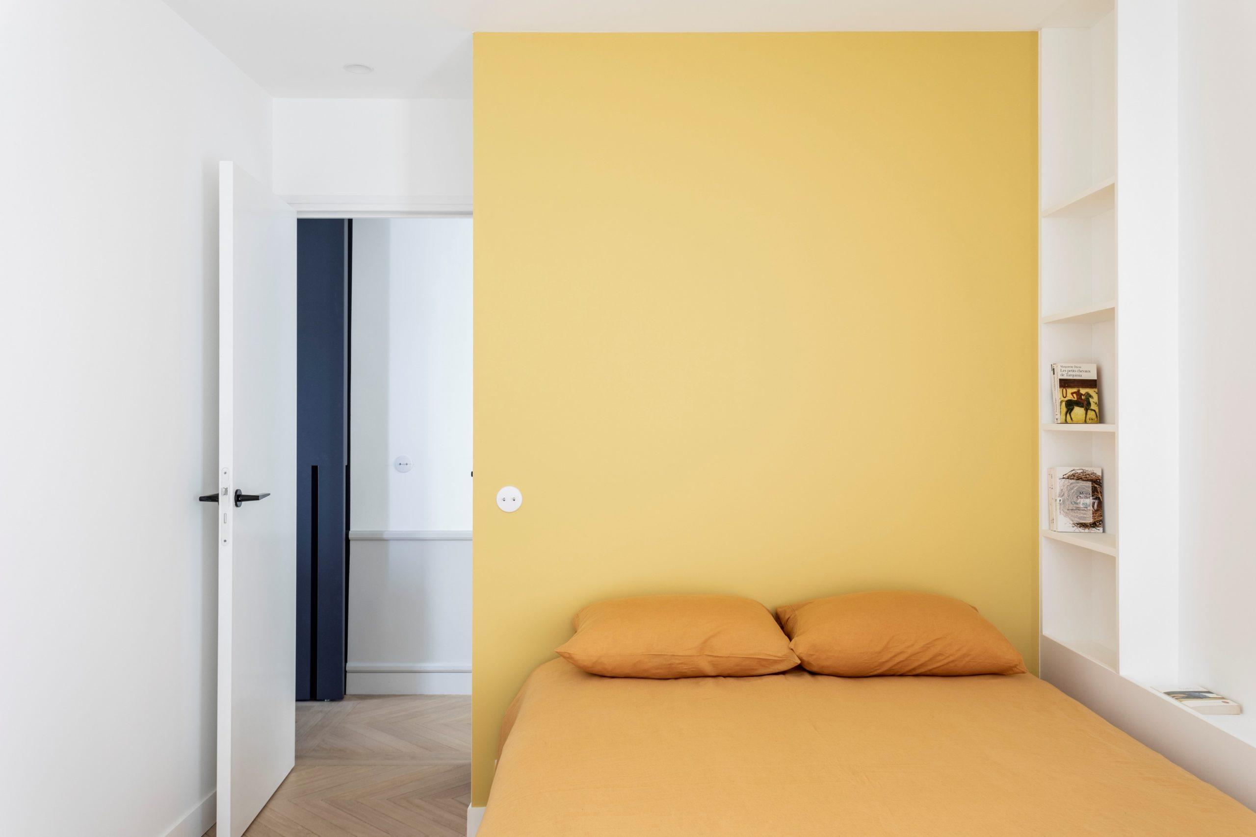 chambre jaune niche point de hongrie